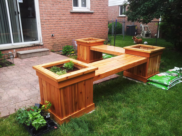 DIY-corner-planter-bench